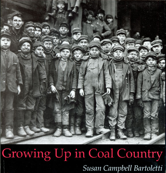 Growing Up in Coal Country-9780395979143