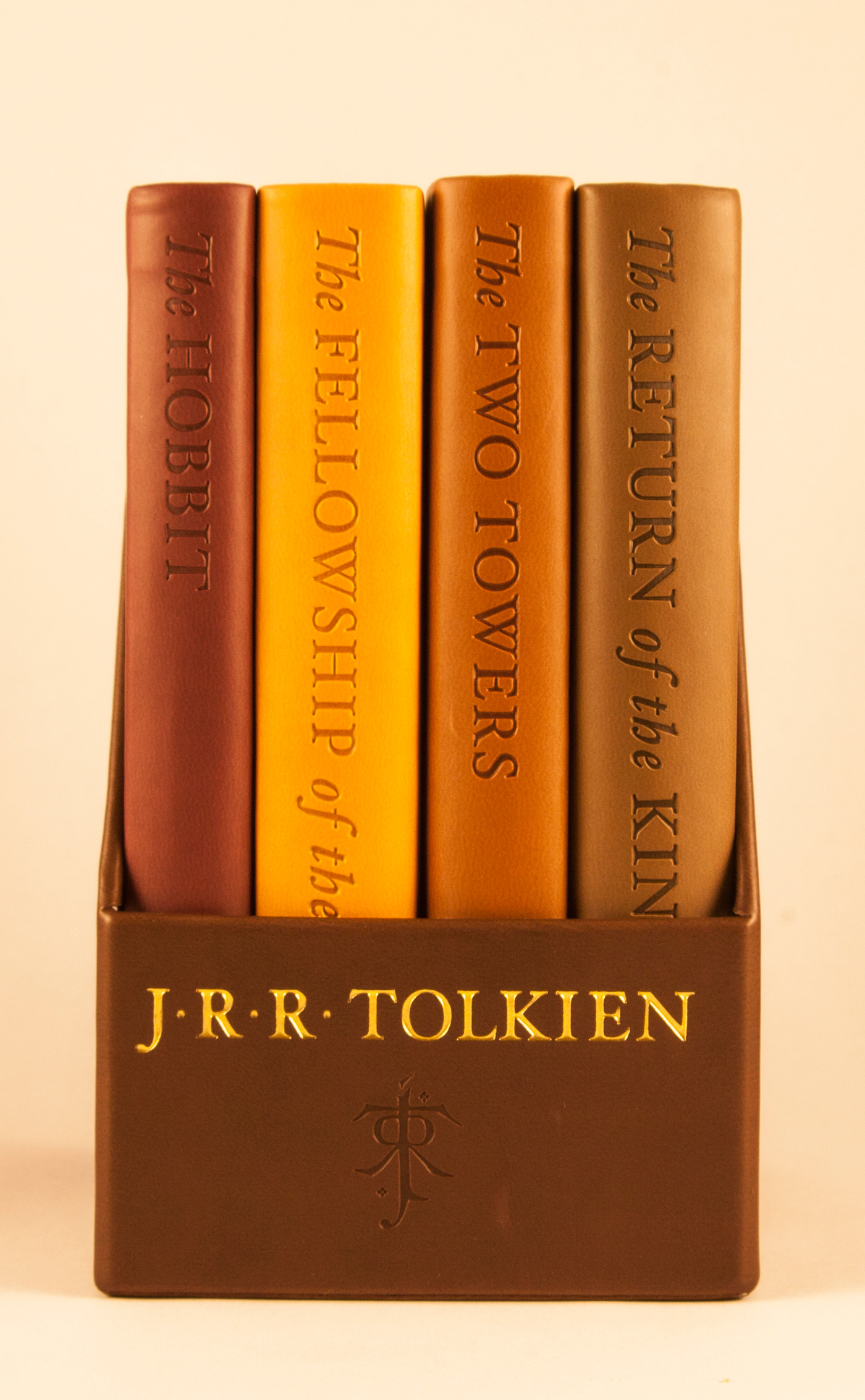 The Hobbit and The Lord of the Rings: Deluxe Pocket Boxed Set-9780544445789