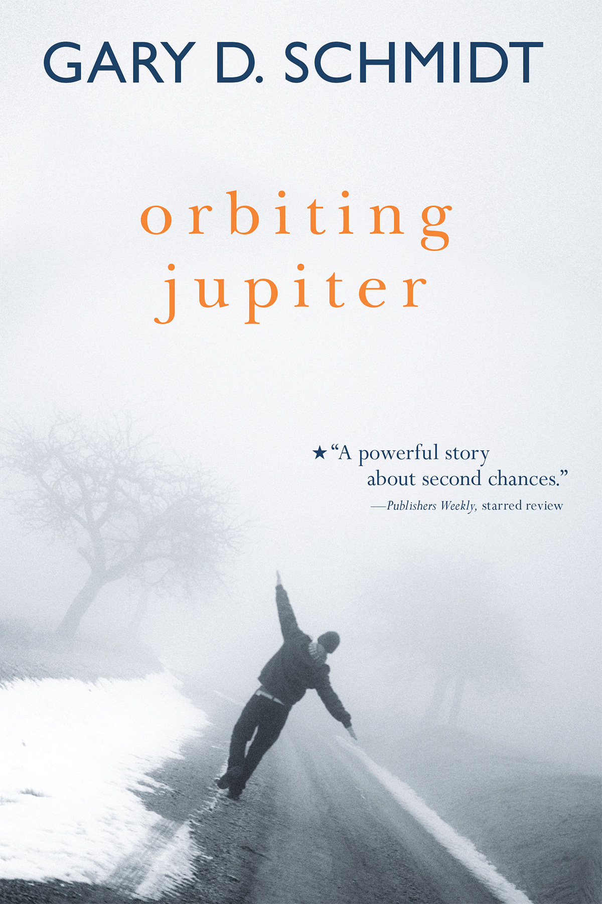 Orbiting Jupiter-9780544938397